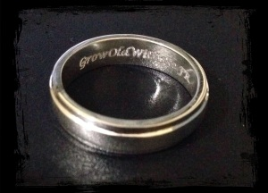 Cincin engrave GrowOldWithMe