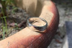 Cincin engrave aziradib